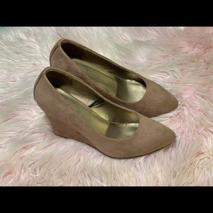 Forever 21 Tan Suede Wedges